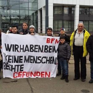 Iranischer Protest vor dem Bundesamt für Migration in Bern